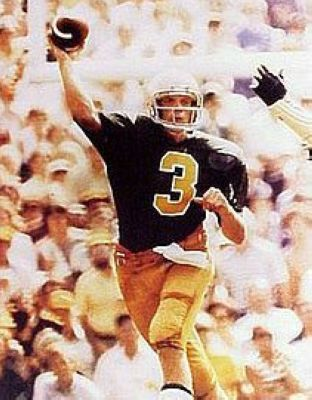 Joe Montana Notre Dame Fighting Irish NCAA 8x10 Photograph Passing