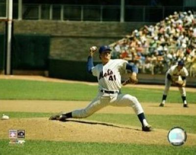Tom Seaver New York Mets MLB 8x10 Photograph Pitching