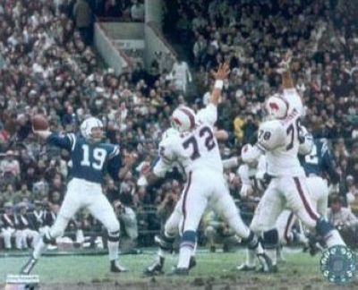 Johnny Unitas Indianapolis Colts NFL 8x10 Photograph Passing