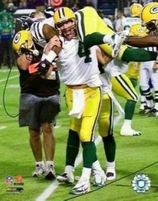 Brett Favre and Greg Jennings Green Bay Packers NFL 8x10 Photograph Record Breaking 421st TD on Shoulders