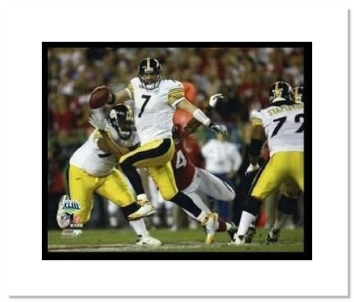 Ben Roethlisberger Pittsburgh Steelers NFL Double Matted 8x10 Photograph Super Bowl XLIII Scrambling