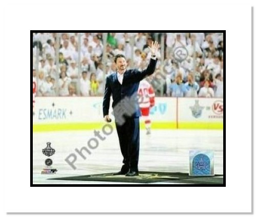 Mario Lemiuex Pittsburgh Penguins NHL Double Matted 8x10 Photograph 2009 Stanley Cup Finals Drop Puck Ceremony