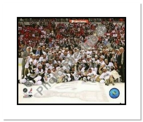 2009 Pittsburgh Penguins Stanley Cup Champions NHL Double Matted 8x10 Photograph Team Celebration with Cup