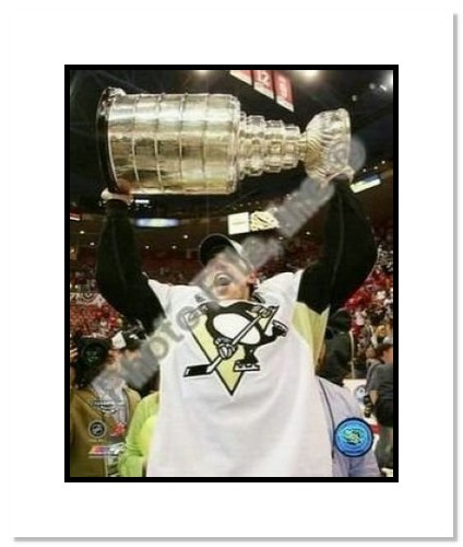 Evgeni Malkin Pittsburgh Penguins NHL Double Matted 8x10 Photograph 2009 Stanley Cup Finals Holding Cup