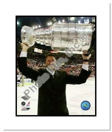 Mario Lemiuex Pittsburgh Penguins NHL Double Matted 8x10 Photograph 2009 Stanley Cup Finals Holding Cup