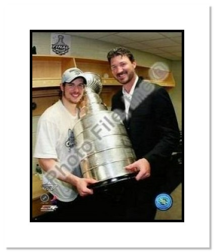 Mario Lemiuex and Sidney Crosby Pittsburgh Penguins NHL Double Matted 8x10 Photograph 2009 Stanley Cup Finals Holding Cup