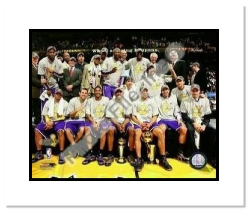 2009 Los Angeles Lakers NBA Double Matted 8x10 Photograph 2009 NBA Finals Champions Team Shot