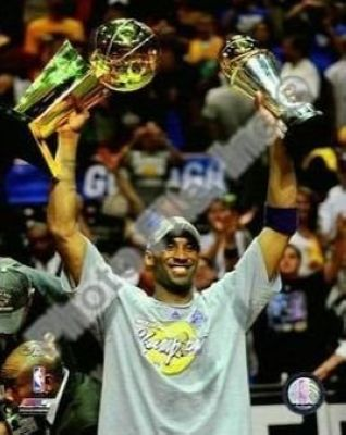 Kobe Bryant Los Angeles Lakers NBA 8x10 Photograph 2009 NBA Finals Championship and MVP Trophy
