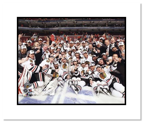 2010 Chicago Blackhawks NHL Double Matted 8x10 Photograph Stanley Cup Champions Team Celebration