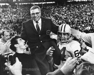 Vince Lombardi Green Bay Packers 8x10 Photograph Carried off the Field