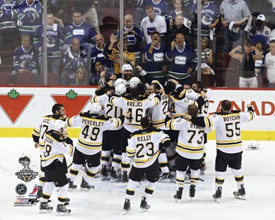 2010/11 Boston Bruins NHL 8x10 Photograph Stanley Cup Champs On Ice Celebration