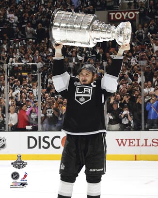 Dustin Brown Los Angeles Kings NHL 8x10 Photograph Holding Stanley Cup