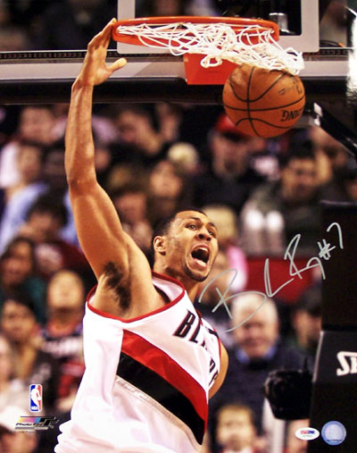 Brandon Roy Portland Trailblazers NBA Hand Signed 16x20 Photograph Dunking