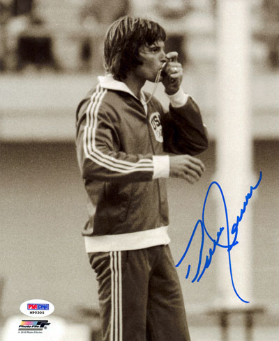 Bruce Jenner Olympics Hand Signed 8x10 Photograph Kissing Gold Medal